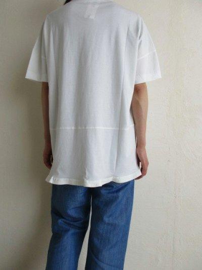 画像2: IRLY イリー       Vネック ラウンドTシャツ・ホワイト