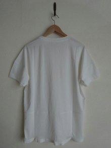 他の写真2: IRLY イリー       Vネック ラウンドTシャツ・ホワイト