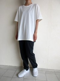 IRLY イリー       クルーネック ラウンドTシャツ・ホワイト