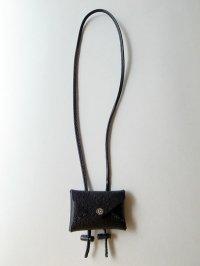 ebagos  エバゴス  型押しキップレザーフウトウバッグチャーム