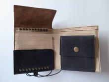 他の写真1: ebagos  エバゴス  ホースヌメシュリンクカシメ二つ折財布