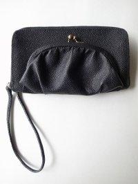 ebagos  エバゴス  型押しキップレザー口金ファスナー財布