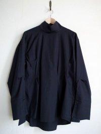 "sulvam       サルバム ""broad women back slit shirt""ハイネックプルオーバーシャツ"