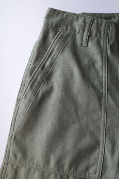 画像2: INTERIM       インテリム GIZA BACK SATIN BAKER PANTS・OLIVE